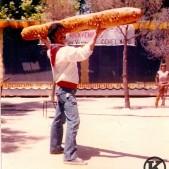Guillermo en el Parque de las Cruces durante las fiestas (finales de los años 80)
