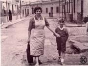 Madre e hijo en C Chirimoya