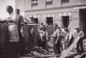 Milicianos pertenecientes al sindicato de albañiles construyen una barricada en Carabanchel Agosto 1936