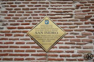 Placa de San Isidro en la Ermita Ntra Sra de  la Antigua