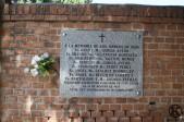 Placa en memoria de religiosos fusilados en 1936