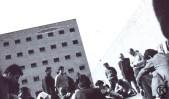 Presos en el patio de la cárcel de Carabanchel 2 (1975)