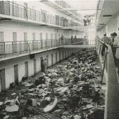 Una galería de la cárcel de Carabanchel tras un motín de los reclusos (21 de julio de 1977)