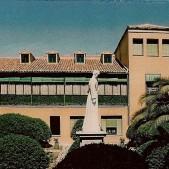 Patio interior del Colegio Santo Angel