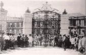 Antigua puerta del Hospital Militar (1904)