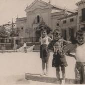 5. De izda a dcha Rafa Torrico, Bernardo Hermoso y Carlos Barciela en la Plaza de la Emperatriz (años 50)