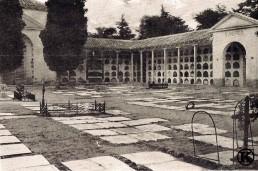 Patio de San Andrés del cementerio de San Isidro (1915)