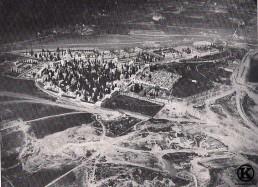 Vista aérea de la ermita y cementerio de San Isidro (1929)