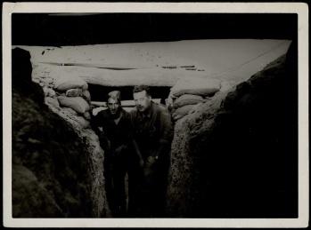 Edgar Neville en Primera línea de Carabanchel Sept 1937-001