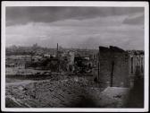Frente de Madrid. Vista del pueblo de Vergas de Carabanchel destruido por los rojos Nov 1937-001