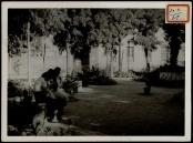Plaza del Parterre Sept 1937 Muchachas cosiendo a 600 m de la línea de fuego-001